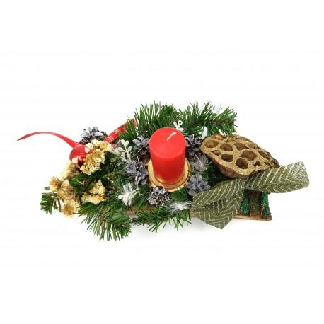 Decoratiune din scoarta naturala  cu flori uscate, fonta verde si lumanare rosie